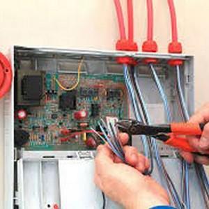 Conserto em sistemas de alarme de incêndio ul fm