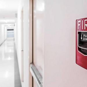 Instalação de central de alarme de incêndio